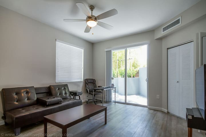 LUXURY HUGE UNIT IN CTR OF DELRAY DTOWN/BCH AREA - Delray Beach - Daire