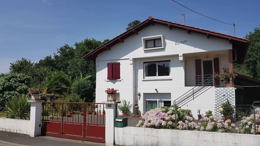 Appartement dans villa pour 6 personnes