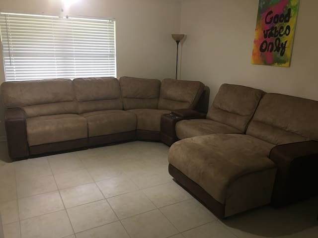 Comfortable Reclining Couch! Perfect For Sleeping!