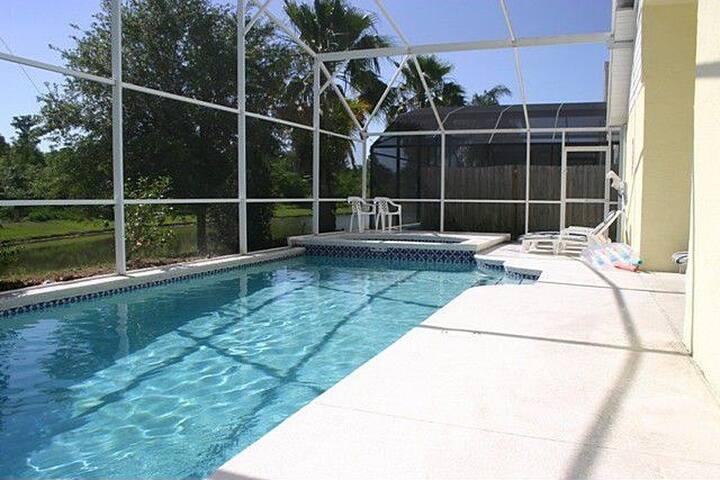 Private Pool Home / 4 Bed 2 Bath / Near Disney!