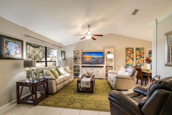 BEACHES ARE OPEN Sunny Florida Home  3br/2ba