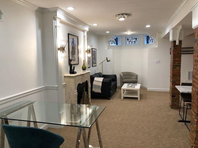 Garden-Level Suite II @ Walnut Place