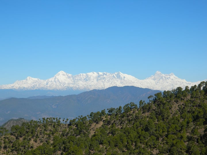 Mesmerizing valley view room at Jalna Almora