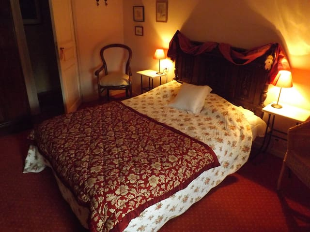 Ty Eliorn Chambre Rose - Langonnet - Bed & Breakfast