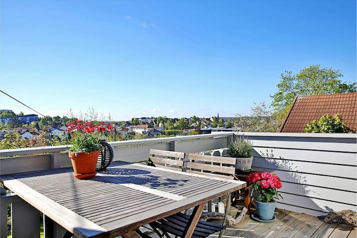 2 floors flat close to city centre in a quiet area - Fredrikstad