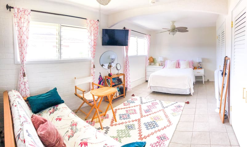 Trendy 1BD+BA, Pool, Large Home, Kailua Town/Beach