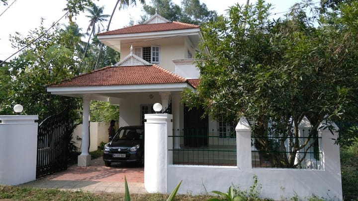 Small Bungalow in Cherthala/Alleppey highway