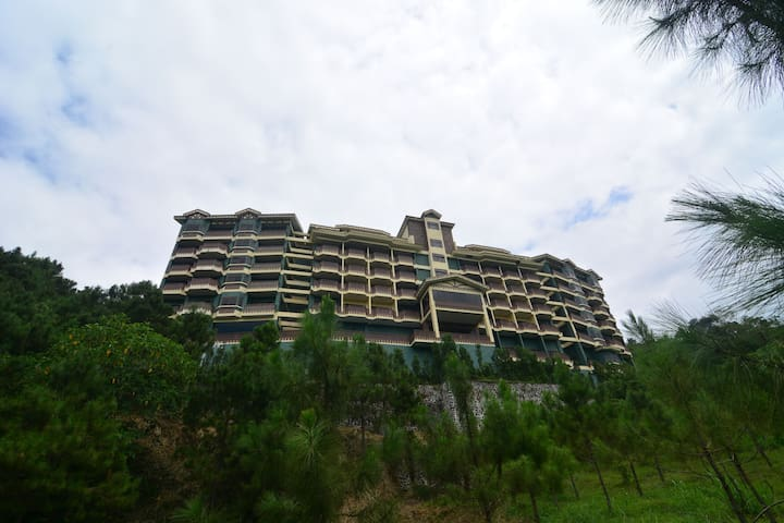Tagaytay Crosswinds Luxury Condo