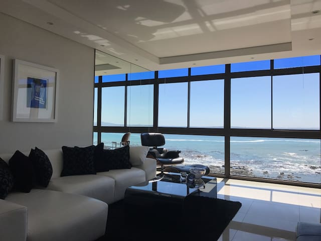 Modern Beach Front Apartment in Mouille Point