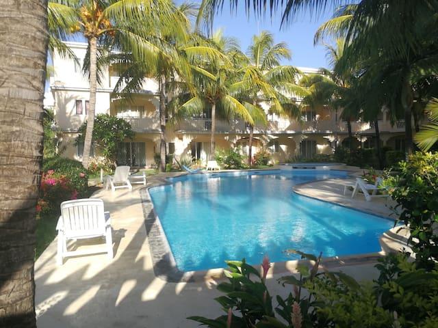 ★Le Palmier Holidays |Beach |Pool |Tropical Garden