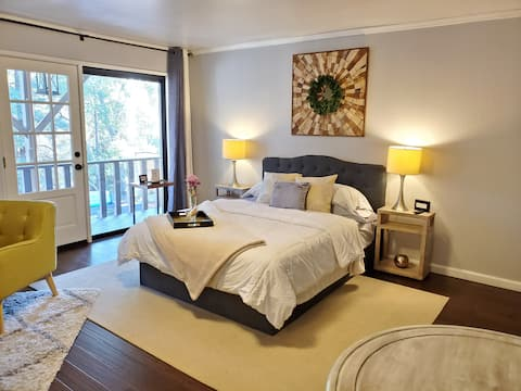 Charming and Cozy Suite B with view of trees