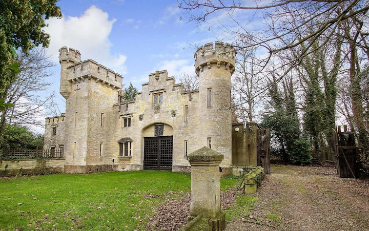 Rent an entire Castle & Grounds ~ sleeps 16 !
