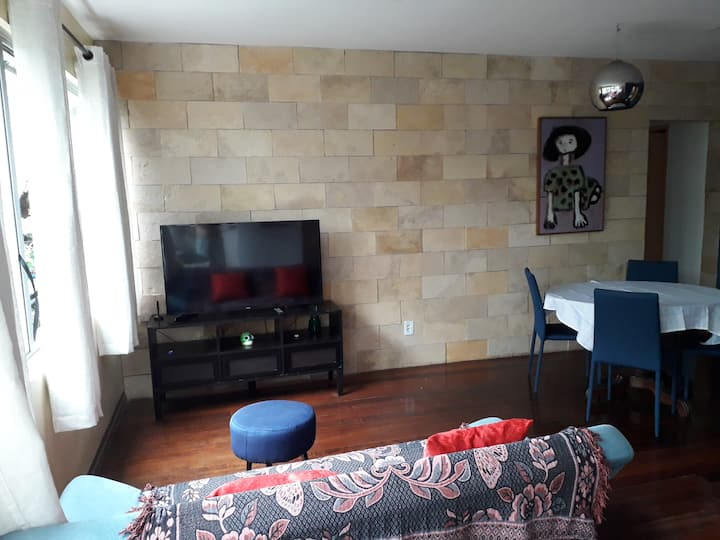 Apartamento Amplo na Tamarineira