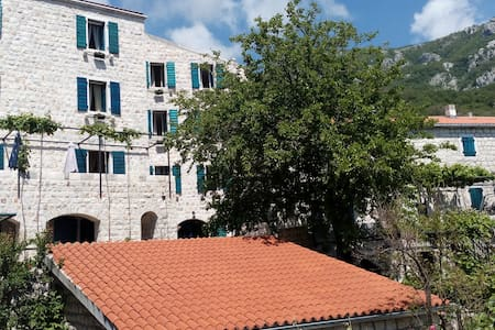 Apartment with Terrace and Sea View - Sveti Stefan