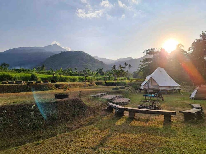 Glamping Sitinggil 2 tents exclusive location