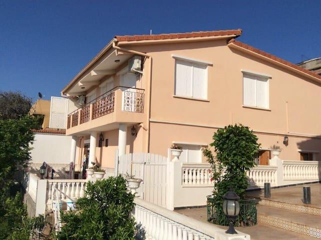 Dar el Karama -vue sur la méditerannee