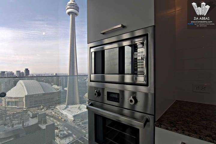 Laydies; Condo in Highrise Great view @ 33rd Floor - Toronto - Appartamento
