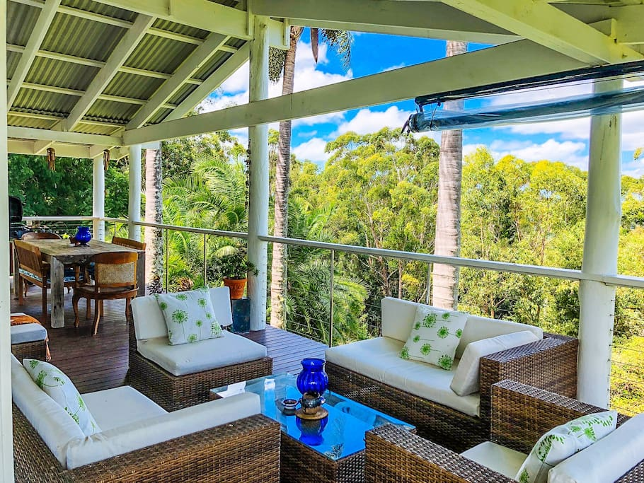 Front Deck with Alfresco Dining and Lounge,  BBQ
