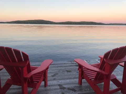 Spectacular Lake of Bays cottage great view & dock