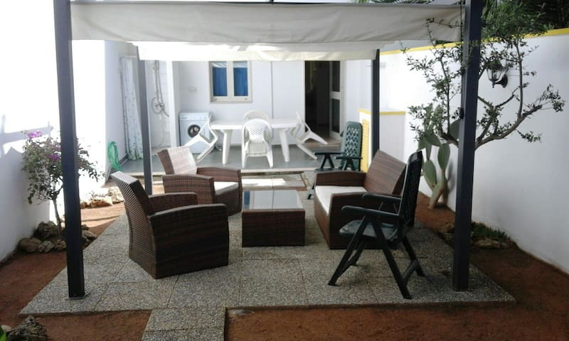 SALENTO Two-room flat, 50 mt sea