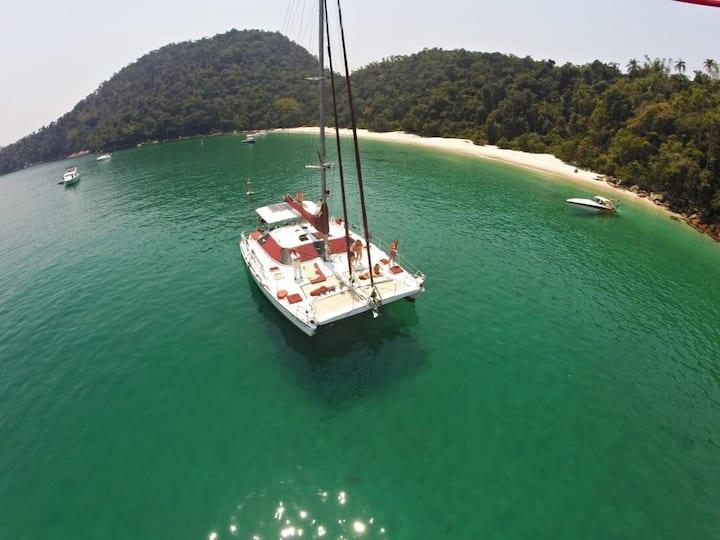 Veleiro Catamarã 43´ tipo Pousada Flutuante 5 quar
