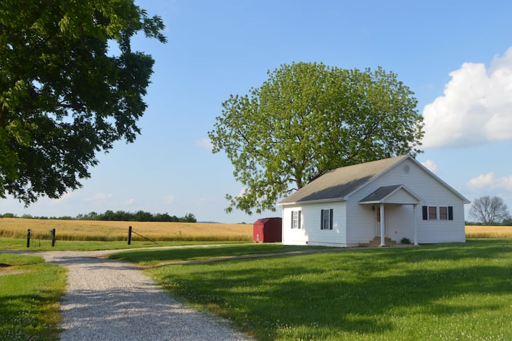 Cozy Farmhouse Near Mammoth Cave & Bowling Green