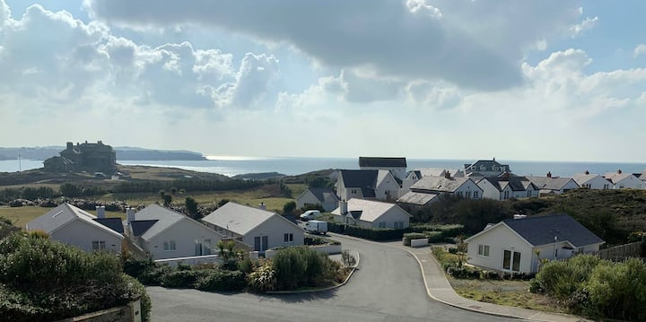 Cliff Apartment- Amazing sea views over  the bay