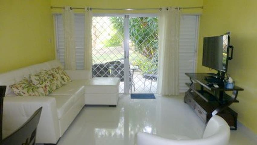 Charming 2 bedroom apt with pool - Bridgetown - Apartment