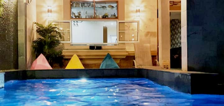 Anthony's Living:Private Pool, Biliar, Karaoke etc