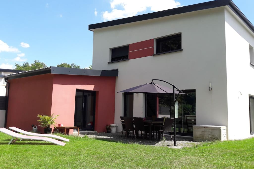 Maison moderne proche centre nantes houses for rent in - Maison contemporaine nantes ...