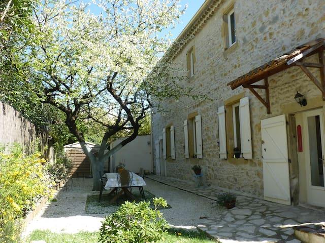 Chambre dans magnanerie - Ribaute-les-Tavernes - Huis