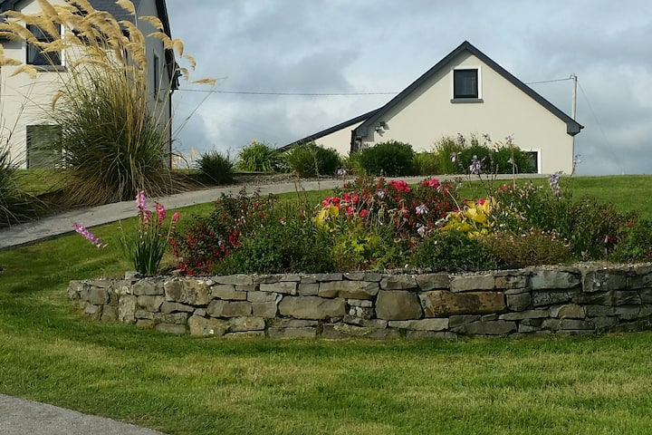 2 bedroom apartment  Lahinch/Ennistymon  Co.Clare.