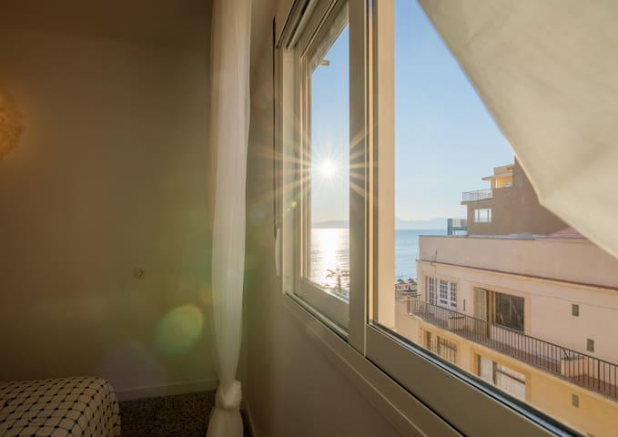 Playa de Palma / Arenal / Surfer's Room  R3