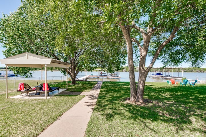 Anchored Away on Lake Granbury - Open Water Home