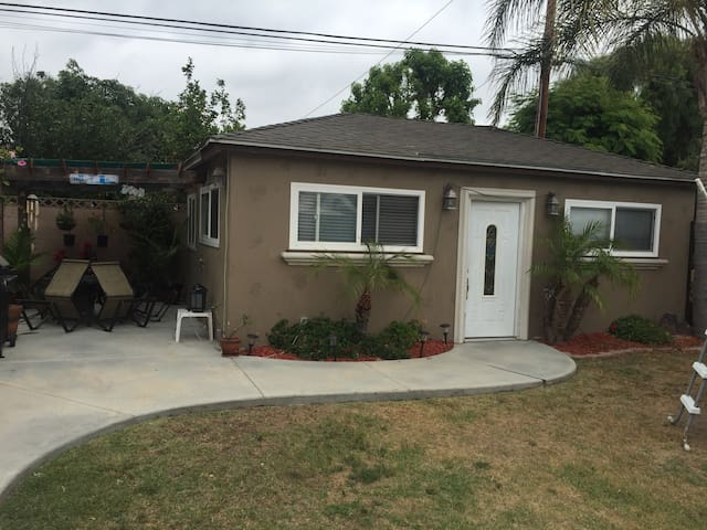 1 private bedroom/shared bathroom - Long Beach - Haus