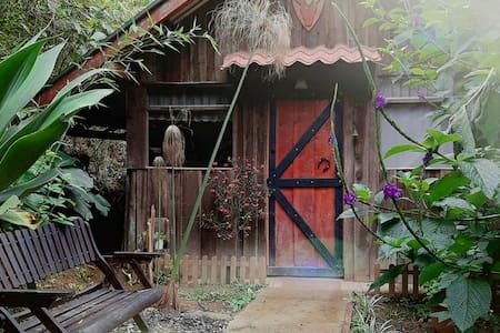 Cabaña de montaña. Cabin in the Mountain,Jericó SJ