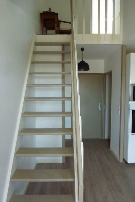 Escalier chambre + bureau