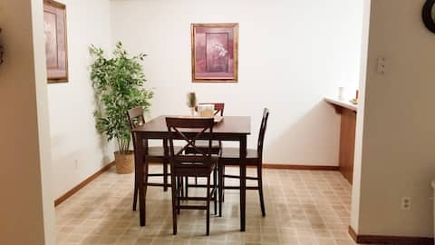 Wahpeton, ND Nice 2 Bed Condo Across from NDSCS