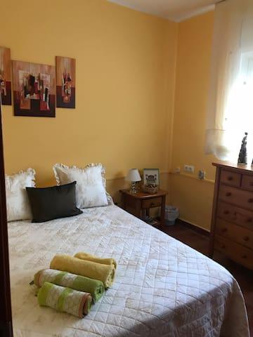 Acogedora habitación cerca de la Costa Brava