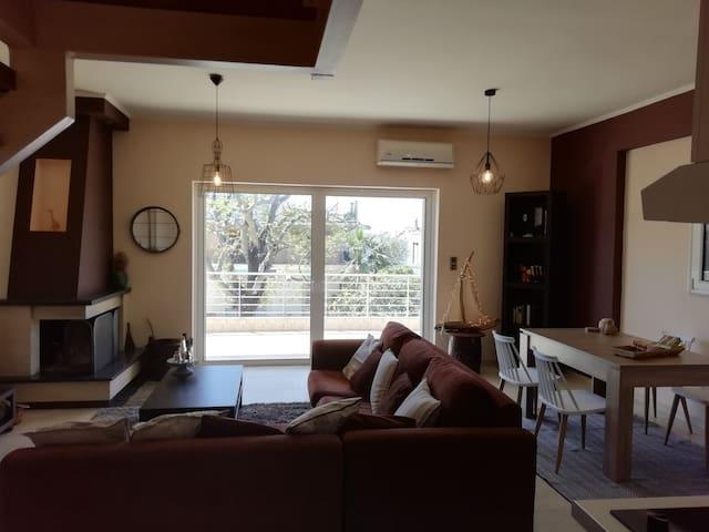 Nikolas apartment. Aktaio Rio