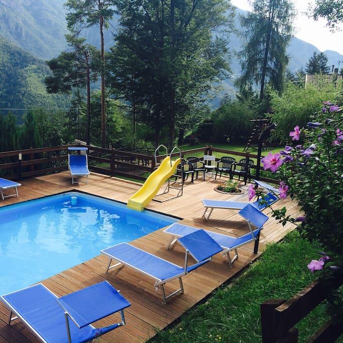 Piscina esterna stagionale (giugno-agosto) - Draußen und Saisonal Pool (Juni-August) - Seasonal open-air pool (June-August)