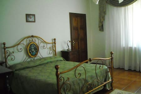 LUXURY ROOM 1 - B&B VILLA LE PALME - SCALEA - Scalea, Calabria, IT - Bed & Breakfast