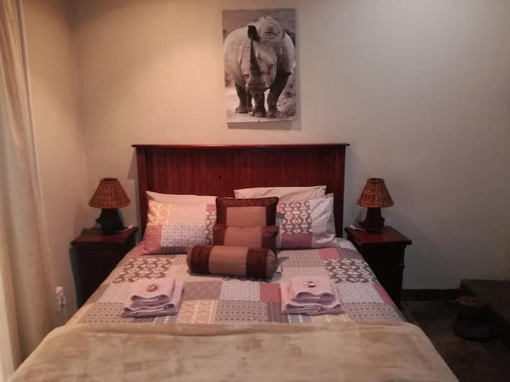 Big 5 Guesthouse Rhino Room