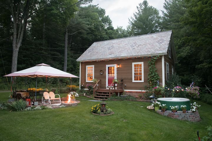 Sunny Country Cottage at Harwell Brook