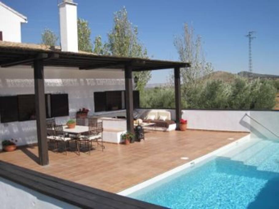 Casa de campo con padel y piscina maisons louer for Piscinas picornell padel