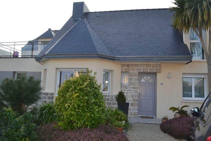 Grande maison lumineuse proche mer - Pordic - House