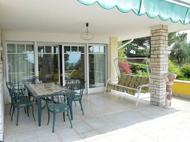 Alta Villa in absolut ruhiger Lage am Gardasee