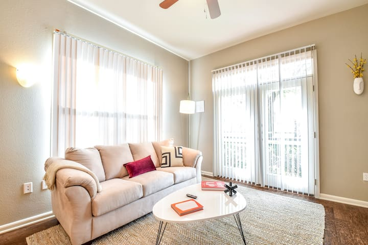 Kasa | Plano | Luxurious 1BD/1BA Apartment