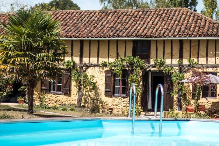 Gite rural pour 4 personnes avec piscine