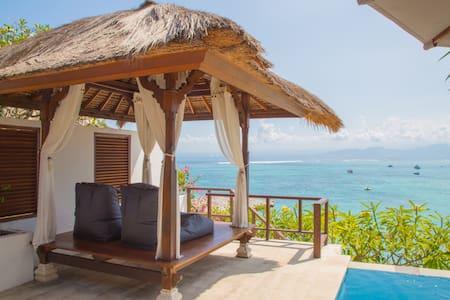 1 Bedroom Private VILLA DAMAI- Absolute Oceanfront - Lembongan island